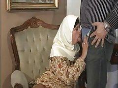 החיג'אב המוסלמי ערבי turbanli ציצים יפים כלבלב לזיין מציצות -nv